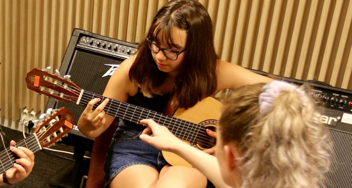 Juniorkurs – Akustiskgitar 9 til 13 år