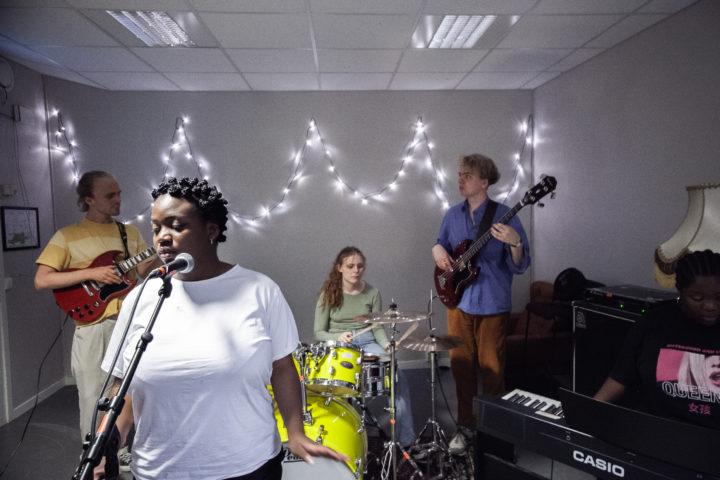 Nei til forslag om å nedlegge musikk-klassene i Vestland
